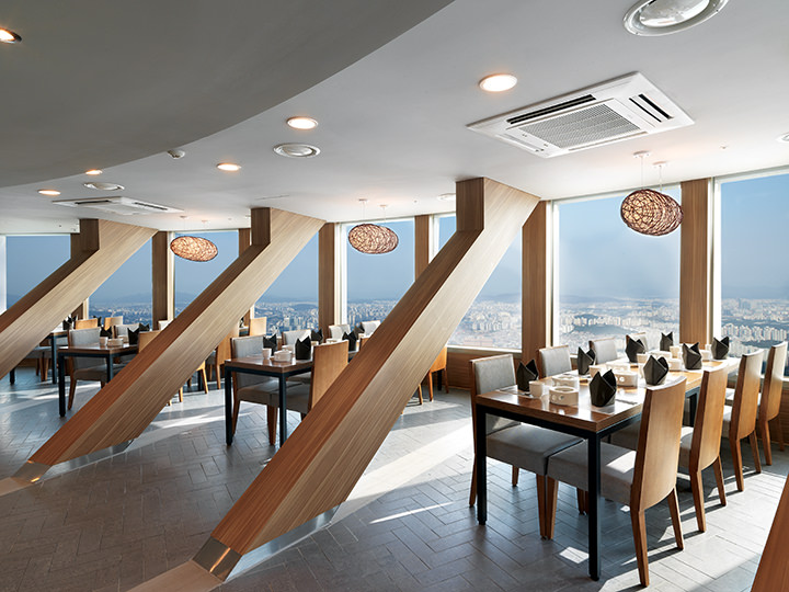 Enjoy the attractive views of Seoul city from the large windows inside of the restaurant  ※Photo credit to N.Seoul Tower HANCOOK