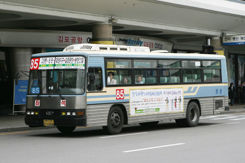 座席巴士(四列座席)