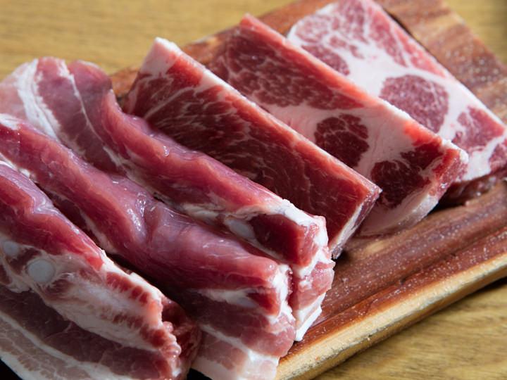 五花肉与肩颈肉