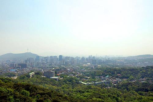 天氣晴好的日子裏能遙遙觀望南山