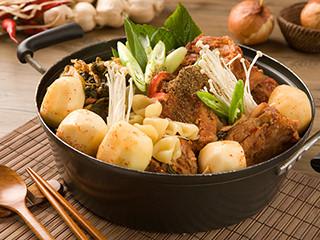 元堂脊骨土豆汤&猪蹄菜包肉 明洞1号店